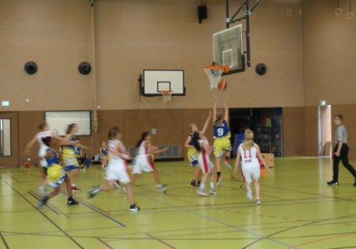 U14 Mädchen des OTB gewinnen 26:63 in Aurich